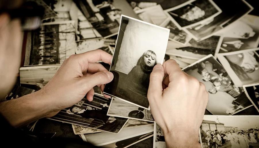 Will man seine alten Dias noch lange behalten sollte man sie digitalisieren